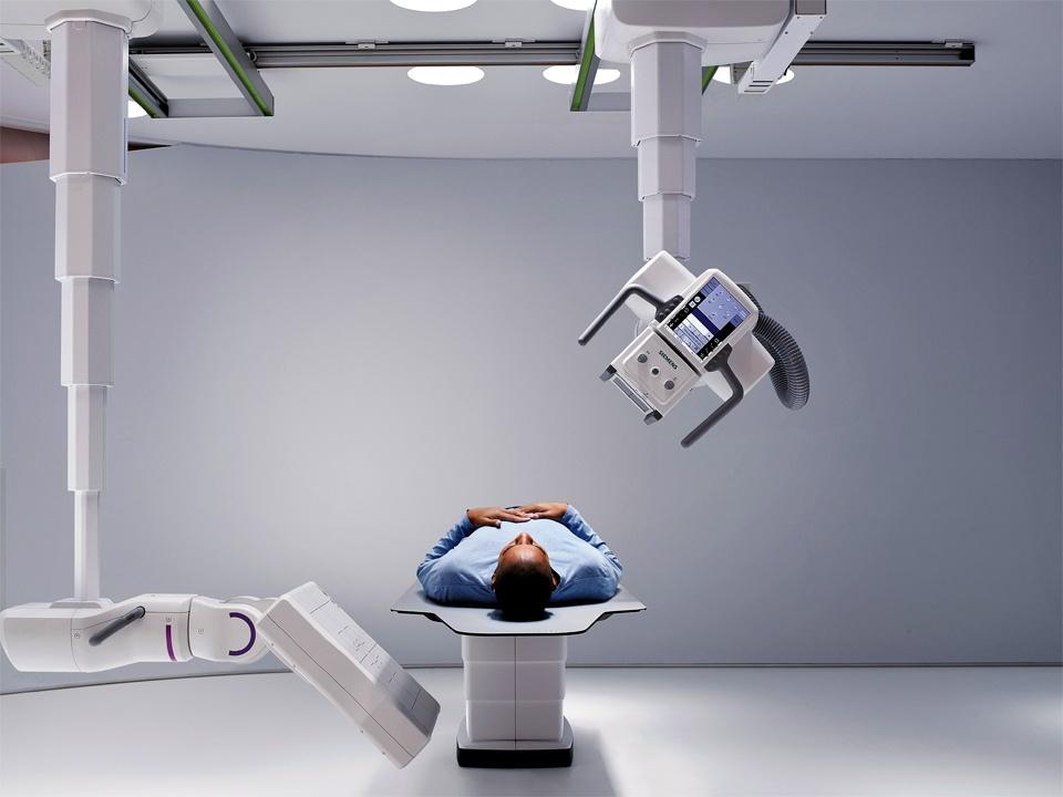 twin_robotic_xray_scanner_multitom_rax_patient_focus-1-0245990810.jpg