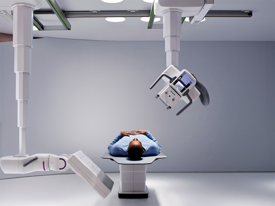 twin_robotic_xray_scanner_multitom_rax_patient_focus-1-0245990810.jpg